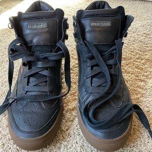 DIESEL Men's high top sneakers. Size US 10.